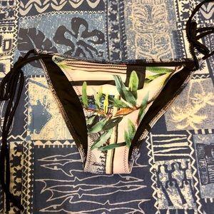 NWT- Clover Canyon Bikini bottoms👙